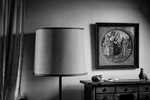 Lamp en schilderij